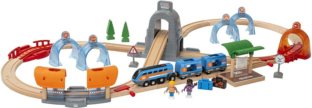 Brio Smart Tech Sound Action Tunnel Reisezug